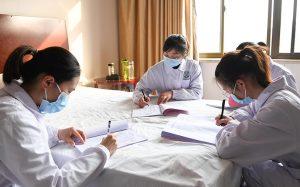 Число погибших от коронавируса в Китае возросло до 2912 человек