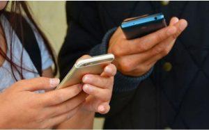 Названы самые лучшие флагманские смартфоны 2020 года