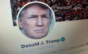 Трамп допустил возможность закрытия Twitter