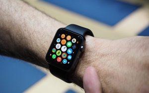 Покупаем популярные смарт-часы Apple Watch