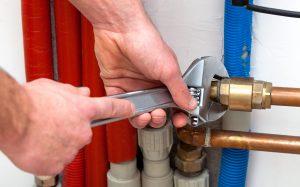 Ремонт труб отопления — лучше потратить немного больше сразу