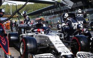 Гонка невезения: Квят (и еще половина пилотов) не доехал до финиша