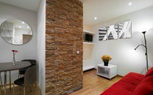 Подбор декоративного камня под интерьер комнаты