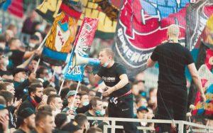 Российские фанаты отпраздновали гол белорусского форварда политическим лозунгом и были задержаны