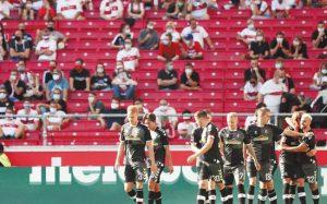 Европейские футбольные лиги задумались о возвращении зрителей на трибуны