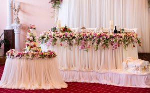 Свадебное оформление с помощью цветов