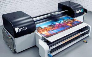 Как используют материалы для интерьерной печати и рулонный ПЭТ пластик