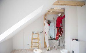 Особенности ремонта квартиры при участии сторонних специалистов