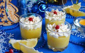 Лимонно-смородиновый десерт со сливками