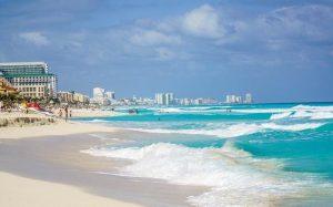 Мексика сняла ряд ограничений для туристов перед началом весенне-летнего сезона