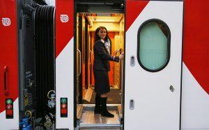 Поезда из Мурманска в Крым запустят в мае