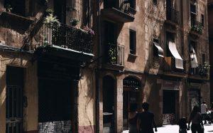 В Барселоне хотят полностью запретить туристам краткосрочную аренду жилья