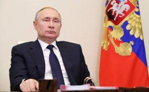 Путин поручил обеспечить дополнительные меры господдержки студенческих спортивных команд