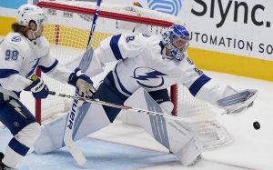 Василевский одержал 12-ю победу подряд в НХЛ и установил рекорд «Тампы»