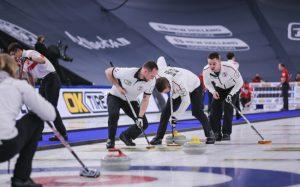 Российские керлингисты впервые обыграли команду Канады в матче чемпионата мира