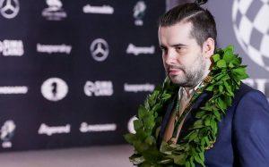 Непомнящий остался на четвертом месте в рейтинге FIDE