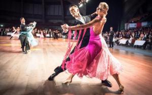Виды современных спортивных бальных танец: европейская и латиноамериканская программы
