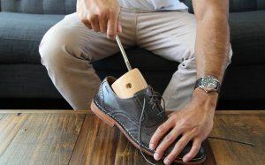 Как растянуть кожаную обувь. 5 действенных способов