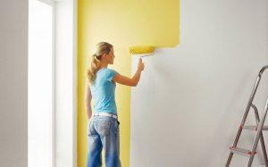 Как выполнить покраску стен?