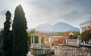 Кавказ. Причудливые формы и говорящие названия: горы-лакколиты на Кавказе