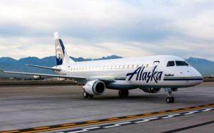 Пассажир выпрыгнул из движущегося самолета после попытки проникнуть в кабину пилота