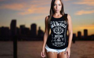 Женские футболки в интернет магазине