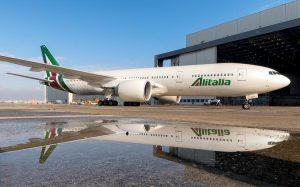 Alitalia отменяет все рейсы с 15 октября. Что делать пассажирам с билетами на руках?