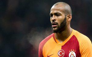 Игрок «Галатасарая» ударил футболиста во время матча 1-го тура чемпионата Турции